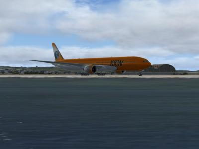 777-300ER au départ de Provence