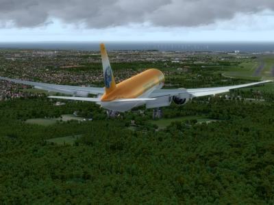 Clear to land RWY 04 L EKCH