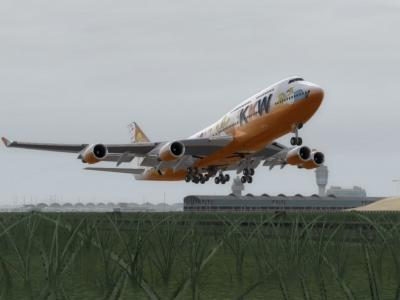 Queen of Donuts slow taking off rwy 25 R VHHH-LFMN